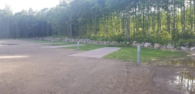 Holly Wood Hill Campground & RV